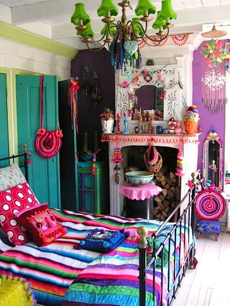 Colorfull Bohemian Style Apartment Of Cécile Figuette: UNDER COVERS: Boho-Chic Bedroom Ideas
